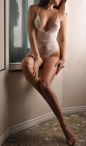 Bernadette-marie adult dating in Milwaukie